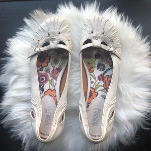 Cute flat women's shoes